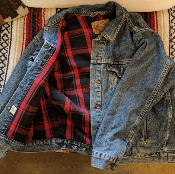f090b1c7e85 Levi s Other - Vintage Levi s Flannel lined Denim Jacket ...